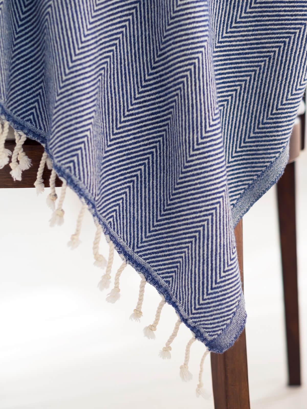 wool-herringbone-koltuk-sali-denim-1200×1600
